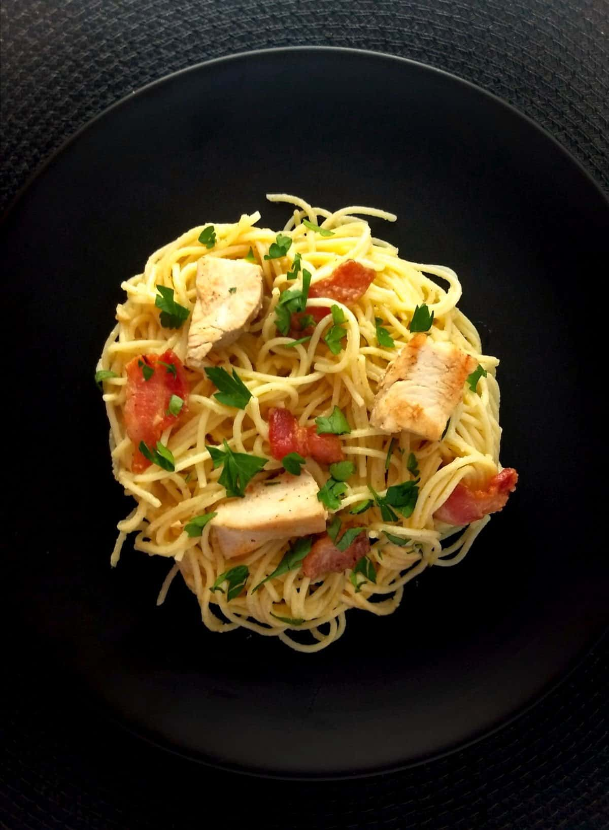 Spaghetti alla Carbonara with chicken