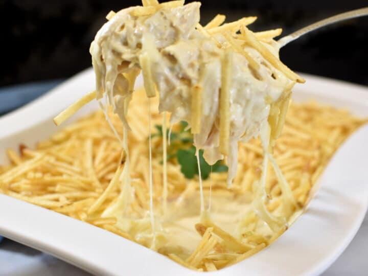 frango com creme, queijo e batata palha