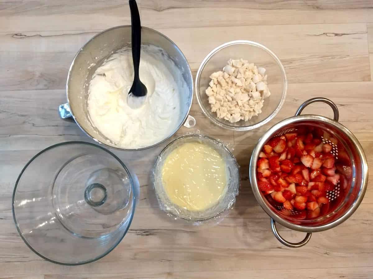 Ingredientes para fazer Merengue de morango